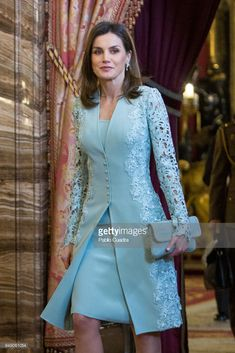 MADRID, SPAIN - APRIL Queen Letizia of Spain attends an official lunch for the 'Miguel de Cervantes Literature award at the Royal Palace on April 2018 in Madrid, Spain. (Photo by Pablo Cuadra/Getty Images) Mother Of The Bride Suits, Mother Of Bride Outfits, Mother Of Groom Dresses, Mothers Dresses, Bride Dresses, Formal Evening Dresses, Elegant Dresses, Mom Dress, Lace Dress