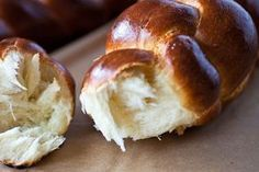 Challah - The Crepes of Wrath Greek Recipes, Vegan Recipes, Cooking Recipes, Jewish Bread, Greek Sweets, Greek Desserts, Savarin, Challah, How To Make Bread