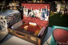Beautiful cardbox - doubled to display the favorite mementos of their relationship