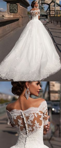 Glamorous Tulle Off-the-shoulder Neckline Ball Gown Wedding Dresses With Lace Appliques