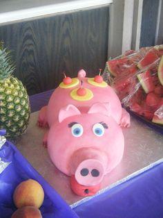 Luau Cake-Pig
