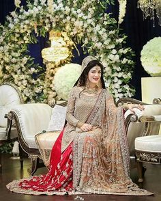 Pakistani Bridal Dresses 2018 - Latest Mehndi, Barat & Walima Dresses for Bride on Wedding Day - Conventional dressing for brides includes Gharara and Lehen Bridal Dresses 2017 Pakistani, Bridal Dresses 2018, Walima Dress, Shadi Dresses, Pakistani Wedding Dresses, Wedding Dresses For Girls, Bridal Outfits, Bridal Lehenga, Pakistani Bridal Makeup Red