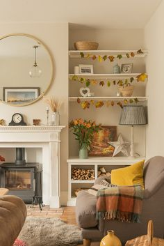 If you're looking for chimney breast and alcove ideas, you've come to the right place! There are so many ways you can decorate your chimney breast and alcoves affordably and practically, here's some examples. Alcove Ideas Living Room, Cute Living Room, Cottage Living Rooms, Living Room Interior, Home And Living, Living Room Designs, Front Room Ideas Cosy, Autumn Decor Living Room, Cosy Home Ideas