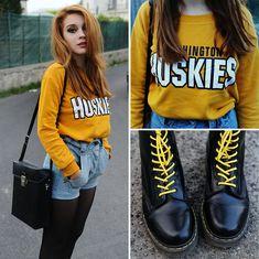 #mariarondinella Street outfit -Black & Yellow-