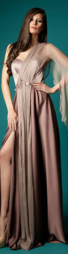 Rochie de SearaWOW!!  What an AMAZING, silky, delicious gown!!..K♥♥♥♥♥