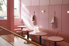 Candy pink Formica surfaces help Child Studio channel the look of a cafe inside the Humble Pizza vegan pizza place in west London. Chelsea, Timber Panelling, Pizza Restaurant, Mid Century Lighting, Mid Century Design, Luigi, Interior Design, Interior Sketch, Interior Trim