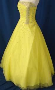 It reminds me of like a modern day version of Belle's dress :)