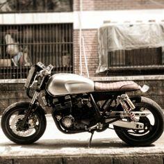 Yamaha xjr400 brat caferacer