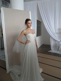 Lindo vestido simples e romântico (frente)