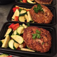 Organic Turkey Patty and lightly sautéed veggies for tomorrow's lunch! #wholeheartmeals #paleo #mealprepsunday #mealprepping  #preppingisahabit #fitfood #wholefood #keepingitpaleo #realfood #jerf #fitmeals #healthy #webepreppin #teamnodaysoff #nutritious #wellfed #dallasmealpreppers #mealprepdaily #mealprepsociety #stacksonstacks #dallastx #paleomealprep by wholeheartmeals