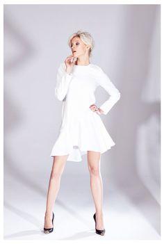 Sukienka ecru z długim rękawem z kolekcji AW 2014/15 THECADESS