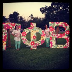 Gamma Phi Beta (Texas A&M) recruitment letters.. LOVE the Lilly pattern and the shirts!