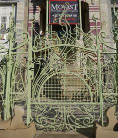 Brussels, Belgium  square Ambiorix, la maison de Saint Cyr, Art nouveau, conçue en 1900 par l'architecte Gustave Strauven