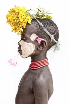 Buni - by Mario Gerth - Frey Arte Tribal, Tribal Art, Ethiopian Tribes, Design Rustique, Afrique Art, African Tribes, Documentary Photographers, Black Art, Body Painting