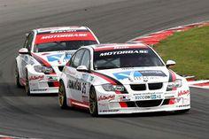 http://www.motorbaseperformance.co.uk/motorbase-galleries/british-touring-cars-2008/BTCC-BH080921-PS0732sample-display.jpgからの画像