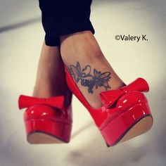 Lady ink aka body art and Red heels