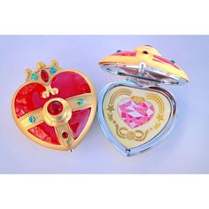 Sailor Moon S Cosmic Heart Compact Brooch Locket Cosplay Doll Prop ($25) ❤ liked on Polyvore featuring beauty products, beauty accessories, bath & beauty, hand & pocket mirrors, makeup & cosmetics, makeup tools & brushes and silver