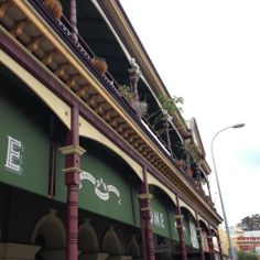 Guide to Fremantle's West End including a map and resources for visiting the West End while on holiday in Fremantle, Western Australia. Terrace Building, West End, Western Australia, Buildings
