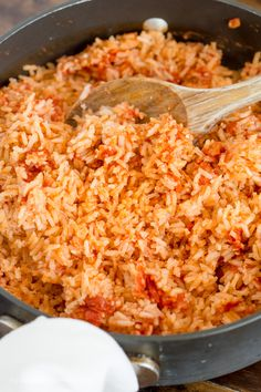 rice recipes The BEST Authentic Mexican Rice that is so good and so easy, it will become THE side dish to make with all of your Mexican dishes. Perfect for Cinco de Mayo. Authentic Mexican Recipes, Mexican Rice Recipes, Rice Recipes For Dinner, Easy Rice Recipes, Mexican Dishes, Easy Spanish Rice Recipe, Simple Spanish Rice, Spanish Rice Recipes, Spanish Fried Rice