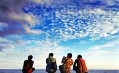 suatu hari.. di kala kita duduk di tepi pantai..