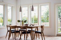 FINN – NORDSTRAND: Nyrenovert, delikat og svært påkostet ½-del av tomannsbolig. Nydelige utearealer. Familievennlig.