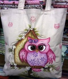 bolso pintado buho Painted Bags, Hand Painted, Tole Painting Patterns, Country Paintings, Owl Patterns, Pink Owl, Owl Art, Cute Owl, Applique Designs