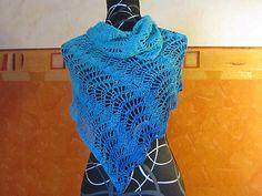 Die Häkelversion der DECEMBER SKY Stola ist in Zusammenarbeit mit Claudia Füchter entstanden. Ravelry, Knitting, Sewing, Crochet, Knits, Pattern, Handmade, Fashion, Scarves