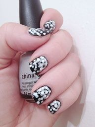 ♥ This China Glaze Polish On Black Nail Polish.