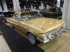 Chevy Impala with typically tiny lowrider rims 1961 Chevy Impala, Trick Riding, Chevrolet, Antique Cars, Classic Cars, Impalas, Low Rider, Cruise, Life