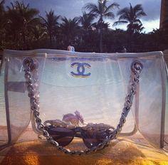 Best beach bag ever Discount Designer Handbags, Wholesale Designer Handbags, Handbags On Sale, Chanel Luggage, Chanel Bags, Coco Chanel, Chanel Beach Bag, Best Beach Bag, Artist Bag