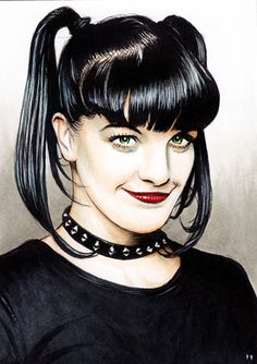 NCIS star Pauley Perrette: Forensic scientist in real life? Celebrity Caricatures, Celebrity Drawings, Female Portrait, Portrait Art, Ncis Abby Sciuto, Pauley Perette, Ncis Stars, Hulk Art, Cartoon Faces