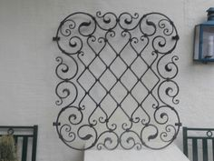 Wrought Iron Wall Art, Iron Wall Decor, Wrought Iron Gates, Metalarte, Window Bars, House Design Pictures, Window Grill Design, Iron Windows, House Gate Design