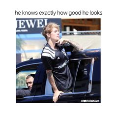 He's a natural poser 🐨☼☽☆✦ Justin Bieber Meme, Justin Photos, Justin Love, Justin Bieber Wallpaper, Celebrity Moms, Celebrity Quotes, Chord Overstreet, My Big Love, Christina Aguilera