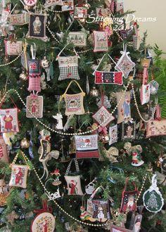 Stitching Dreams: O Christmas Tree Merry Christmas In Heaven, Christmas Room, Christmas 2014, Christmas Morning, Christmas Wreaths, Christmas Ornaments, Cross Stitching, Cross Stitch Embroidery, Heaven Poems