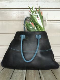 Big shopper, made of tractor innertube and blue leather