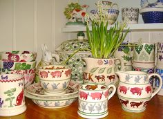 Emma Bridgewater old and new Farmyard! Mugs And Jugs, Emma Bridgewater Pottery, Living In England, Farm Yard, Old And New, Furniture Decor, Plates, Dishes, Country
