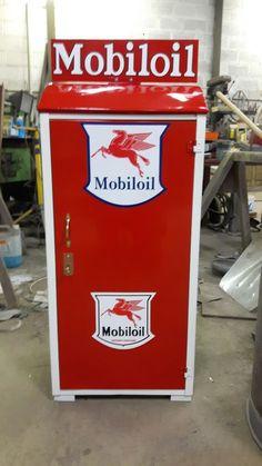 Mobiloil small cabinet