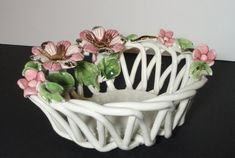"""Capodimonte Porcelain Basket with Flowers. by Cosasraras on Etsy, $20.00 JUST """"PERFECT"""" AS A HOLDER OF A FEW """"TREASURES"""" ON YOUR DRESSER TOP ♥"""