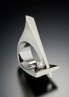 -The Sculpture Ring - Adam Neeley Fine Art Jewelry. Modern Jewelry, Jewelry Art, Jewelry Rings, Jewelry Accessories, Fine Jewelry, Unique Jewelry, Beach Jewelry, Bridal Accessories, Bijoux Design