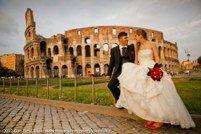 Paolo e Claudia si sono sposati il 9 giugno 2012, e hanno festeggiato con amici e parenti presso la Villa Ottaviani.  servizio fotografico svolto da Girolamo Monteleone wedding photojournalist.  Fotografo di matrimonio a Roma