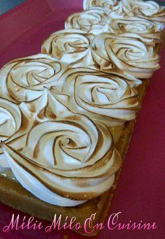 Je ne suis pas sucré du tout ( un comble pour une blogueuse culinaire ) mais un des seul dessert que je mange c est la tarte au citron. Un après midi de canicule je ne voulais pas allumer mon four pour préparer le dessert . J'ai donc fait mon fond de...