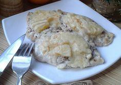 Куриное филе с ананасами под сырным одеялом