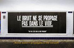 """Affiche issue de la série """"Ne pas jeter sur la voie publique"""" - Crédit Image Sean Hart"""