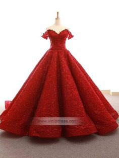 High-end Vintage Burgundy Lace short Sleeve Formal Evening Dresses 2018 Deep V Neck off the shoulder Puffy Prom Dress Ball Gown Puffy Prom Dresses, Red Lace Prom Dress, Red Quinceanera Dresses, Prom Dresses With Pockets, Quince Dresses, Sexy Wedding Dresses, Ball Dresses, Ball Gowns, Red And Gold Dress