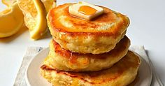 Sew French: Fluffy Lemon Ricotta Pancakes and honeyed strawberry sauce What's For Breakfast, Breakfast Items, Breakfast Dishes, Breakfast Recipes, Dessert Recipes, Brunch Dishes, Breakfast Casserole, Beignets, Lemon Ricotta Pancakes
