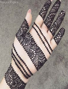 Explore latest Mehndi Designs images in 2019 on Happy Shappy. Mehendi design is also known as the heena design or henna patterns worldwide. We are here with the best mehndi designs images from worldwide. Mehndi Designs Front Hand, Mehndi Designs Finger, Latest Arabic Mehndi Designs, Legs Mehndi Design, Mehndi Designs For Girls, Mehndi Designs For Beginners, Bridal Henna Designs, Mehndi Design Photos, Mehndi Designs For Fingers