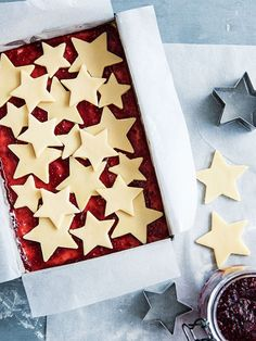 Buttery shortbread teamed with tartly sweet raspberry jam... this slice is simple and seriously tasty!