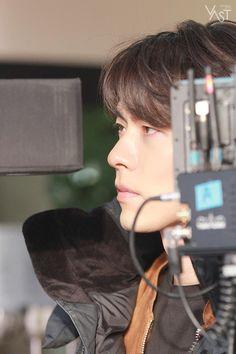 """""""굿바이, Zinu"""" 현빈님께서 로그아웃 하셨습니다. (가지마..엉엉 T.T) : 네이버 포스트 Asian Celebrities, Asian Actors, Korean Actors, Hyun Bin, Korean Wave, Korean Men, Kim Myungsoo, Kang Haneul, Netflix"""