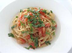 Spaghetti aux tomates, anchois et coriandre.