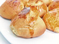 şam kurabiyesi pastahanelerde satılan şöyle kocaman  portakallı kurabiyelerdir.bu tarifim işte o kurabiyelerin aynısı  oluyor...püf no...
